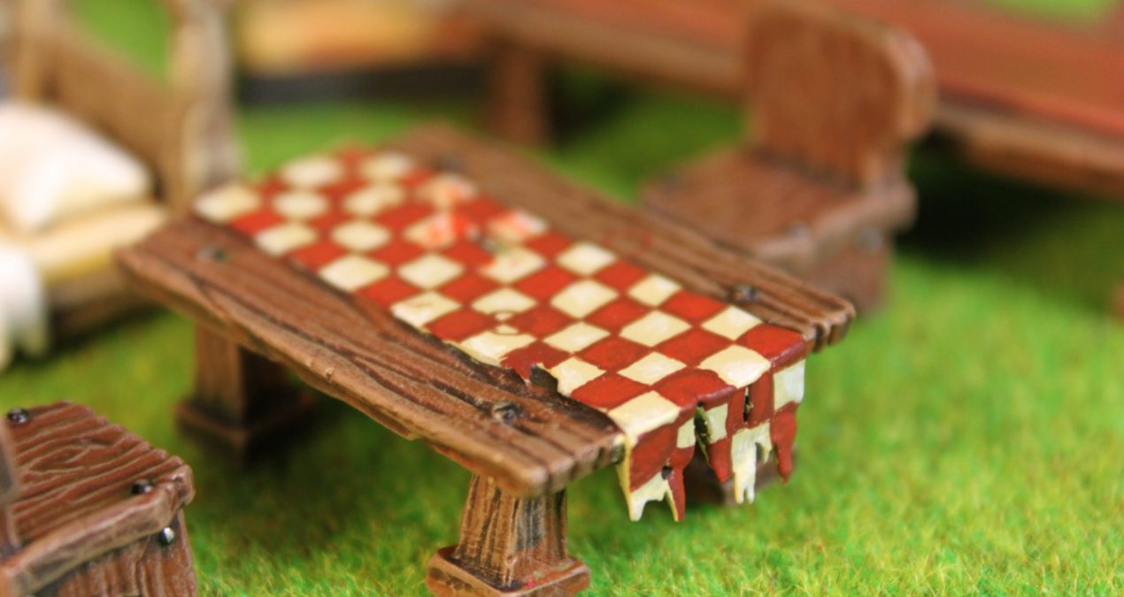 Dungeons & Dragons – Furniture and other scenery pieces from Zealot Miniatures