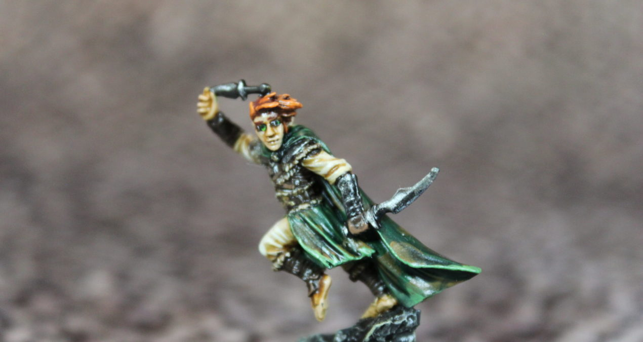 Dungeons & Dragons – Halfling Rogue with Daggers (Darksword Miniatures)
