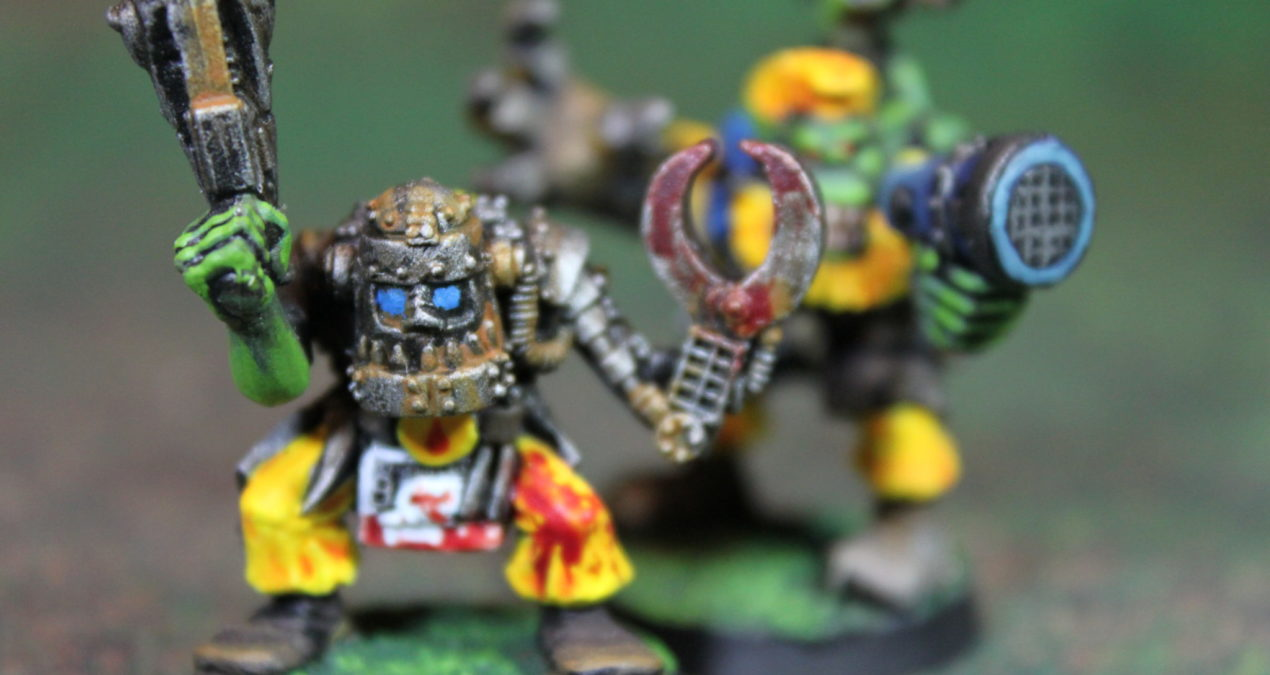 Warhammer 40.000 – Rogue Trader – Bad Moon Painboy and Runtherd (Games Workshop)